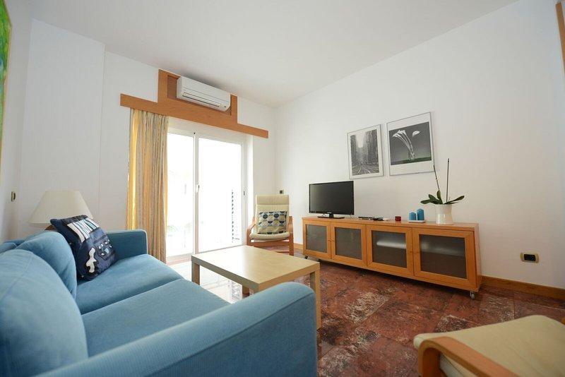 Apartamento Playa Canteras 'Gaviota 5ªplanta', aluguéis de temporada em Las Palmas de Gran Canaria