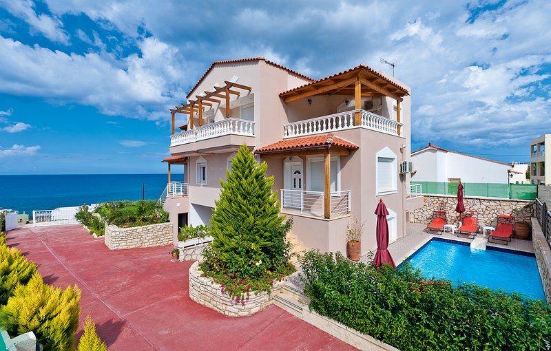 Villa Apollon Crete, holiday rental in Sfakaki