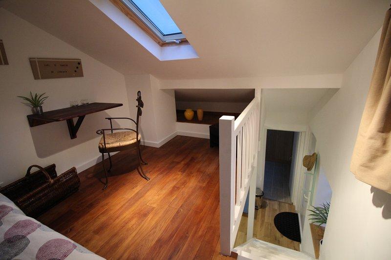 Studio duplex cocooning proche Versailles et Paris – semesterbostad i Thoiry