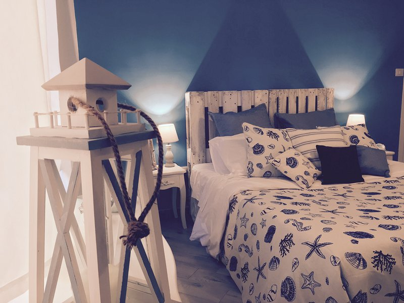The Lighthouse - Private Accomodation, holiday rental in Salerno