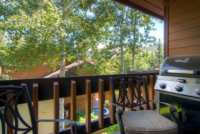 25-ridgepoint-183-patio.jpg