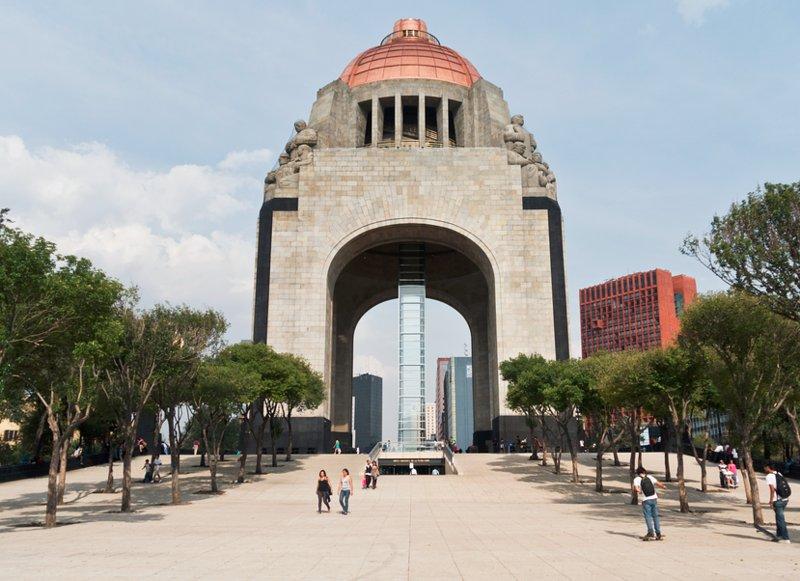 5 mins walk from the Monumento a la revolución.