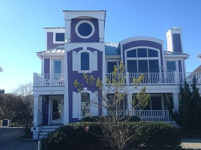 Bethany's premier rental! 30 yards from beach sleeps 19 7 bedrooms, private sleep den 6 1/2 baths