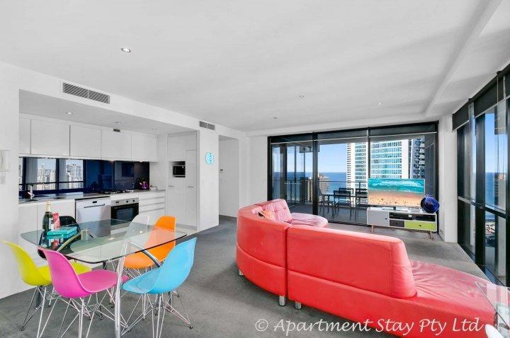 Prachtige Lvl 25 2Bed 2BATH Circle on Cavill appartement met alle faciliteiten van het resort