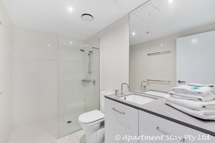 Tweede badkamer grenst aan de 2e slaapkamer.
