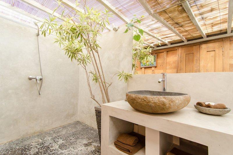 salle de bains semi extérieur
