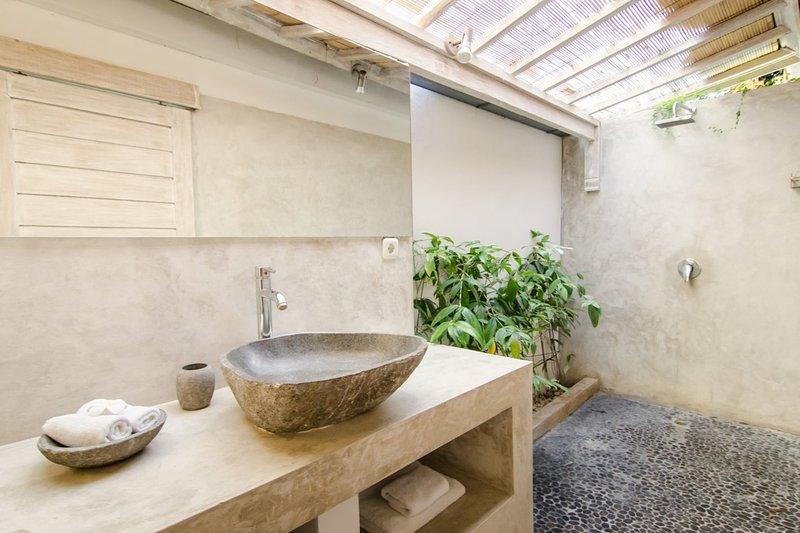 Salle de bains chambre principale avec salle de bains