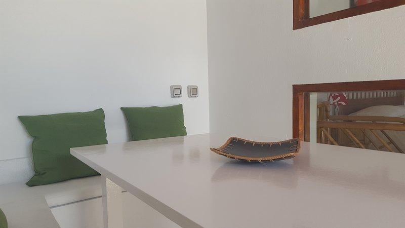 Mesa comedor exterior.
