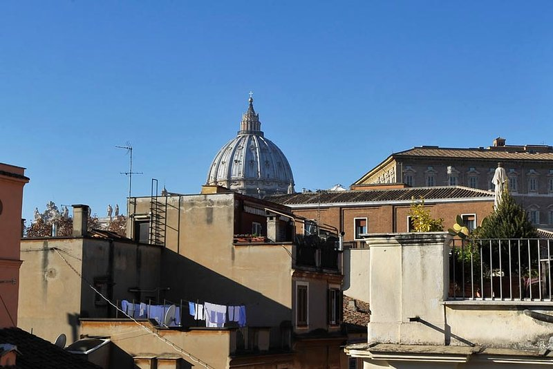 Rome Center Luxury Apartment Has Cable Satellite Tv And