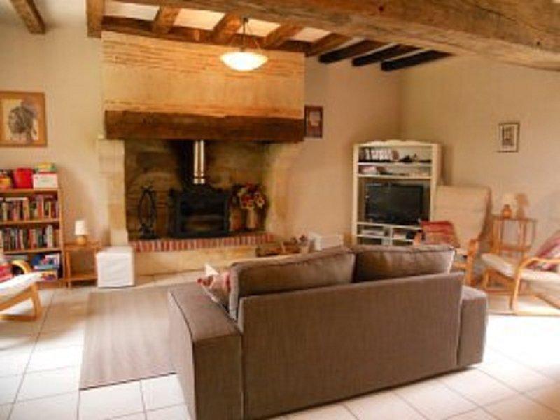 Le Muguet espaçosa sala de estar e confortável para max 8 adultos e 2 crianças