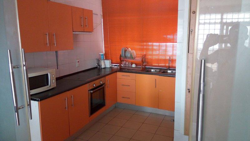 LUXURY 3 BEDROOM APARTMENT, casa vacanza a Lagos