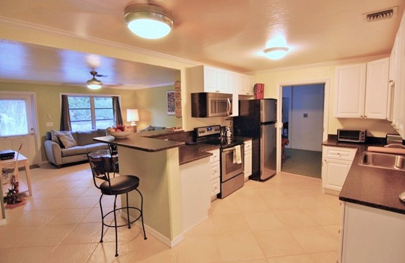 Secluded tropical paradise, 2 bikes, pet-friendly, holiday rental in Sanibel Island
