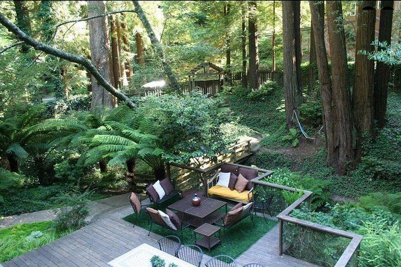 Magical Home in Redwoods, Easy Walk Downtown, alquiler de vacaciones en Mill Valley
