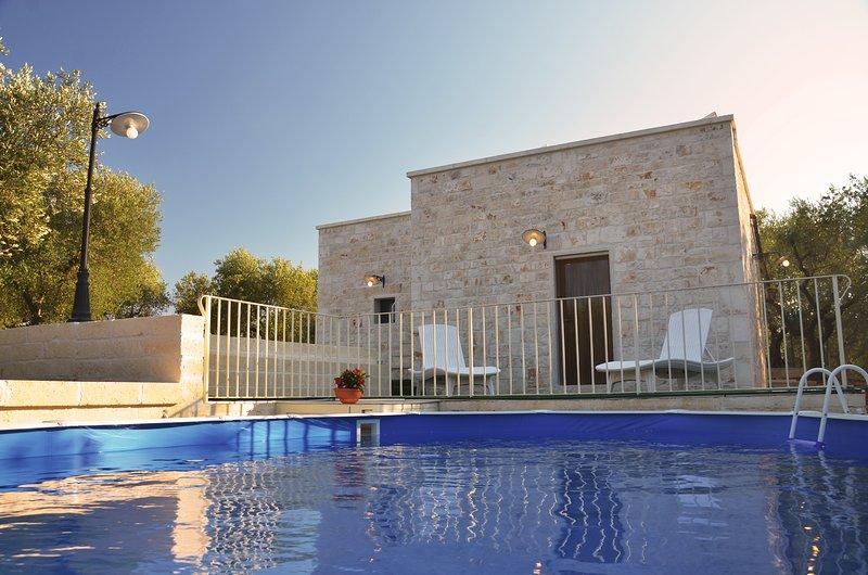 Lamia Pieranna Villa con Piscina a Cisternino - Valle d'Itria - Puglia, holiday rental in Calabrese