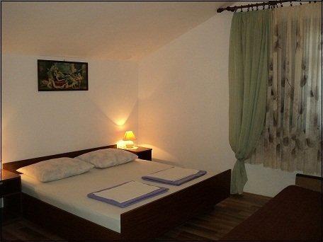 H(10+1): bedroom