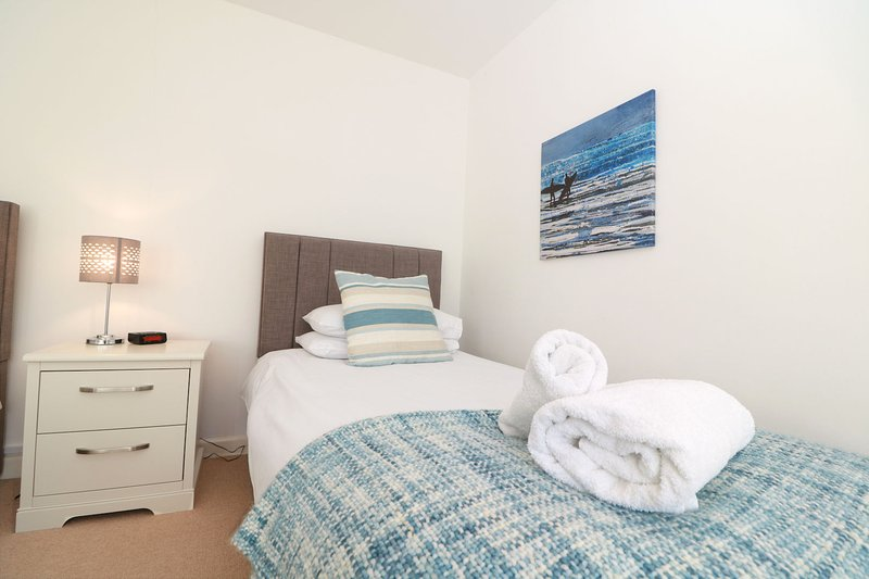 Croyde Holiday Cottages Fuchsia Cottage Twin Room