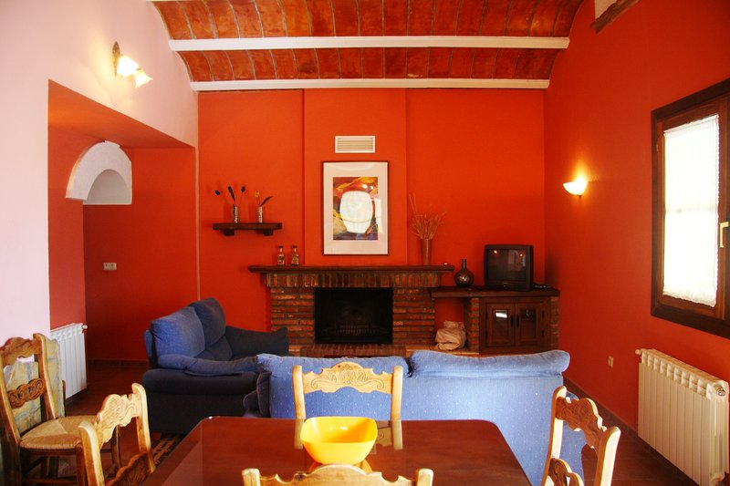 Acogedora Cueva Familiar para 4 personas, holiday rental in Purullena