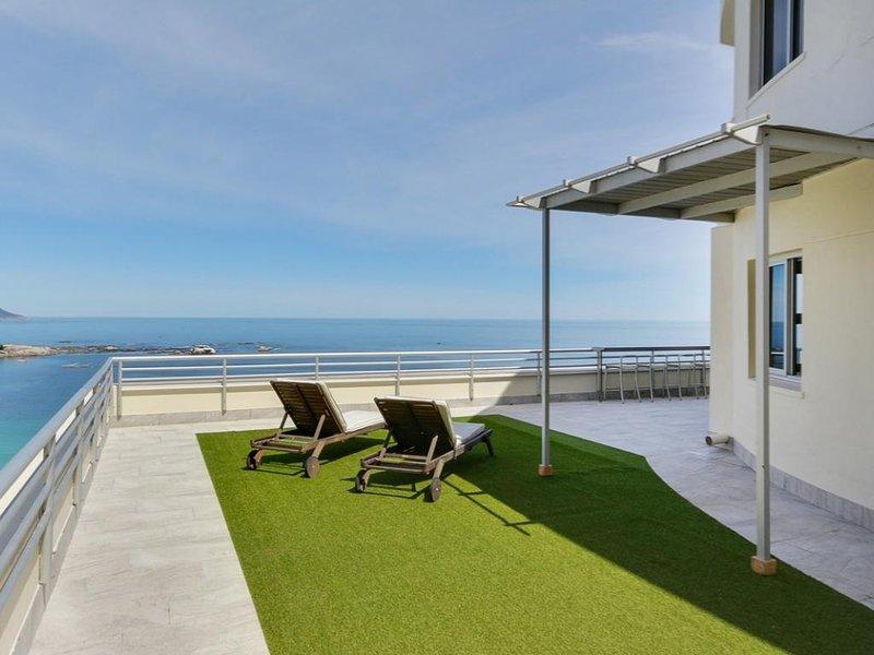 Stupendous Luxury Penthouse Clifton Apartment Dunmore Penthouse Home Interior And Landscaping Mentranervesignezvosmurscom