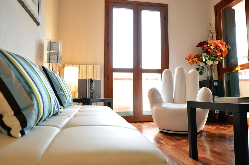 SANGIOVESE • PRIVATE PARK-15minDOWNTOWN, 4 pax, aircond, vakantiewoning in Campalto