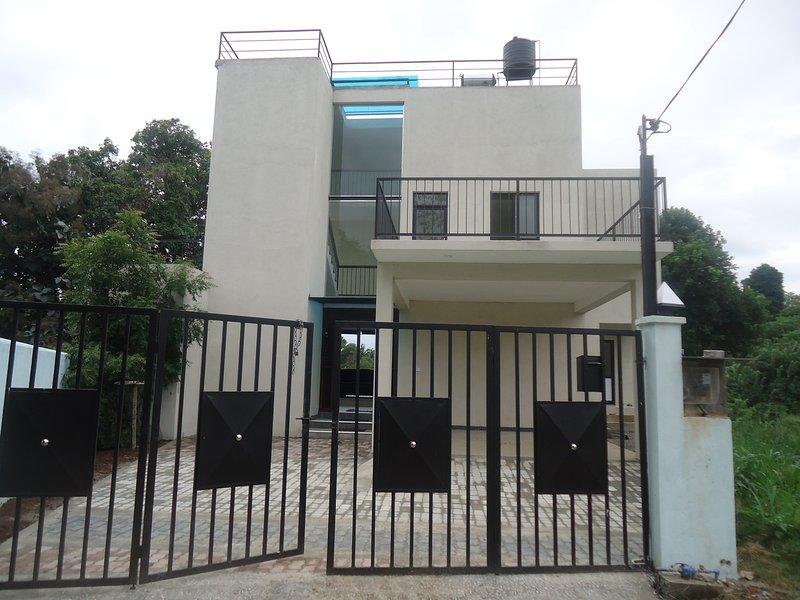 GRANDPA HOLIDAY HOME, holiday rental in Mahiyanganaya