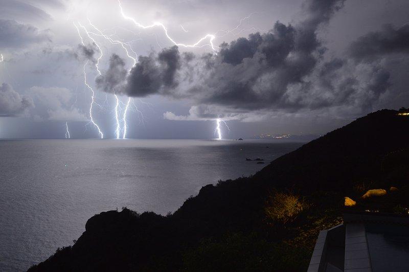 Väder show över St Martin på 4:00 från villan