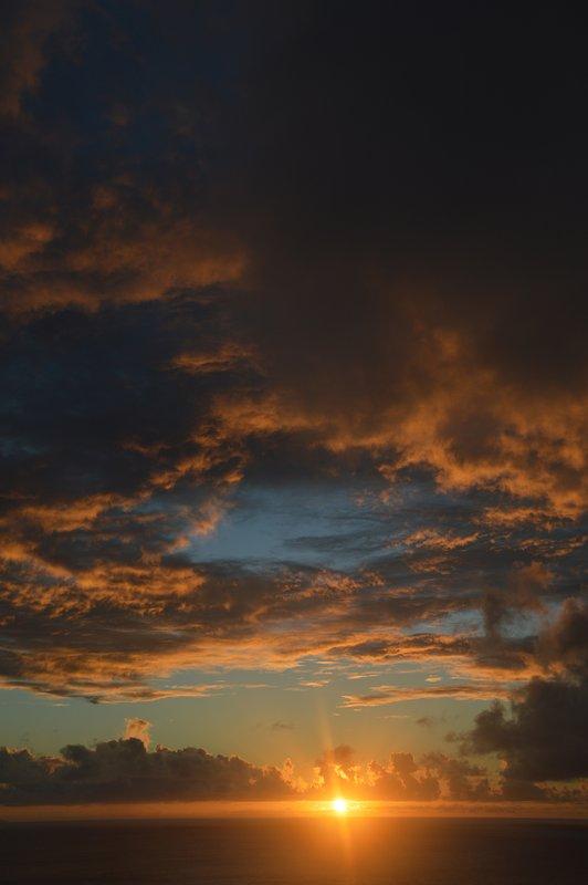 Du kommer att se många fantastiska solnedgångar som denna.