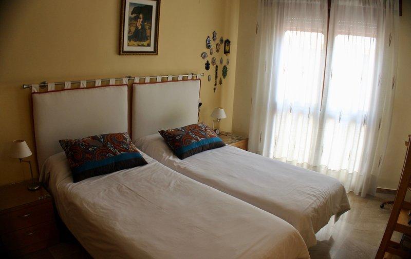 APARTAMENTO, LUJO, CENTRO, PARKING, WIFI, NEGOCIO, casa vacanza a Atarfe