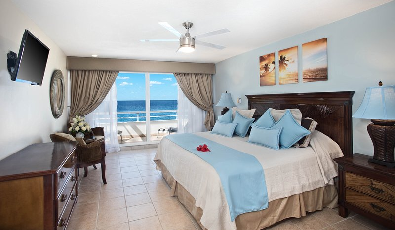 ocean front master bedroom with king size bed