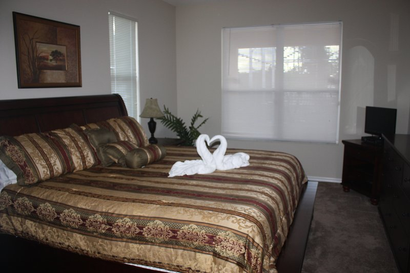 Chambre à coucher principale lit king-size