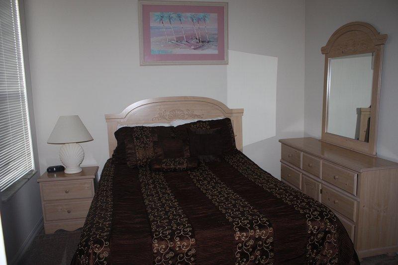 Chambre à coucher 2 lit queen