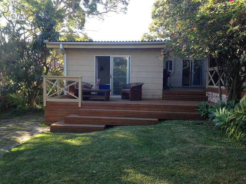 Peaceful 3 bed Narrabeen Getaway, location de vacances à Mona Vale