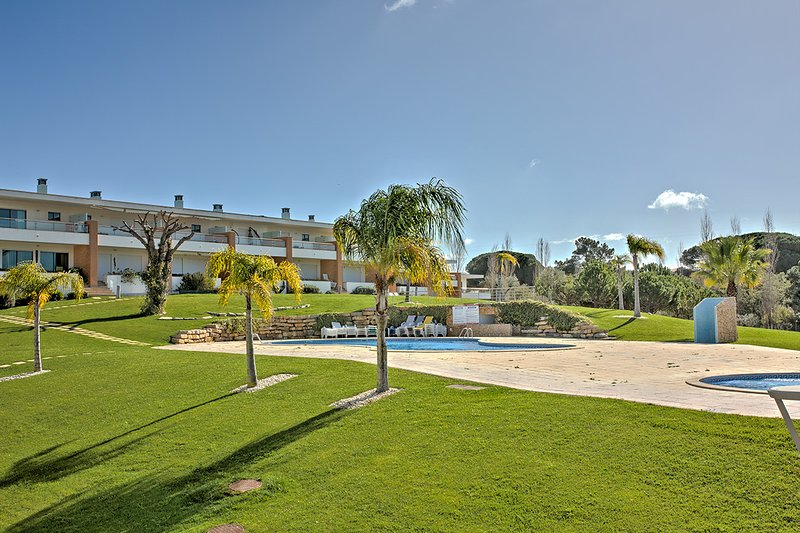 Stylish Holiday Home in Vila Branca, Branqueira, Albufeira – semesterbostad i Branqueira