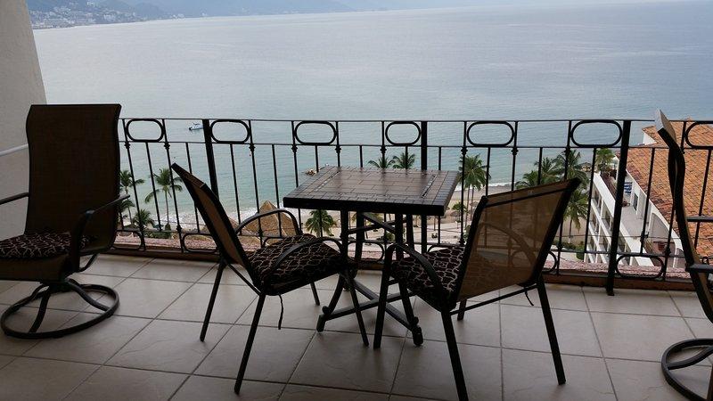 Estar na varanda com vistas fabulosas para o mar
