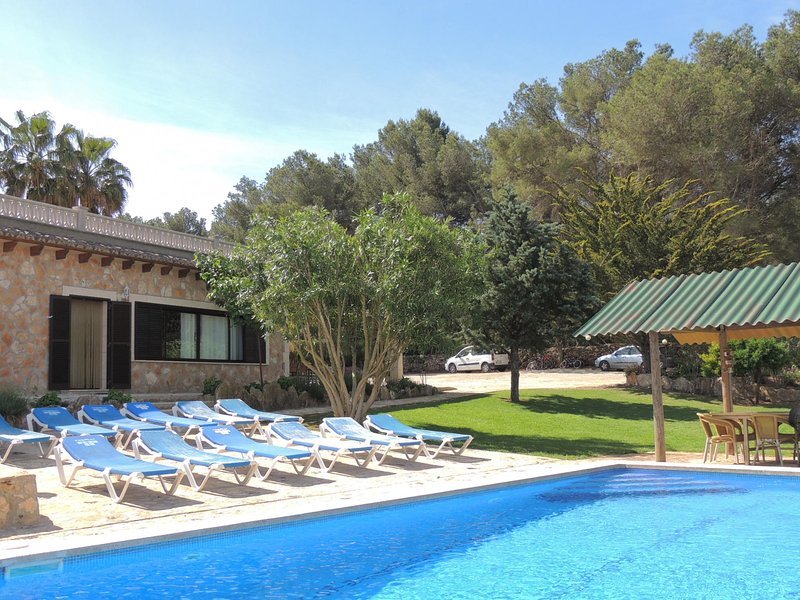 Villa 31 close Cala Blava with private pool and Wi, vacation rental in Tolleric