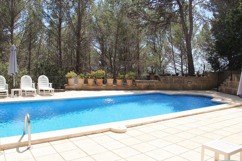 Villa Amores in Andratx with private pool, location de vacances à Galilea