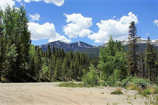 Vírgenes vistas a la montaña desde la parte superior de la entrada del pico 6 y 7, Breckenridge.