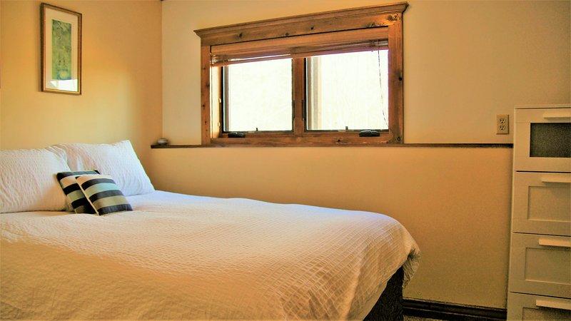 El otro punto de vista de la segunda habitación, con vistas a la montaña.