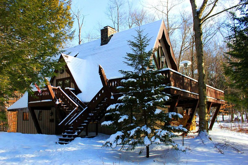The Chalet Covered In Fresh Powder – Feels Like Heaven Poconos Vacation Rental