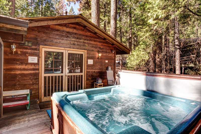 Hot tub on back deck!