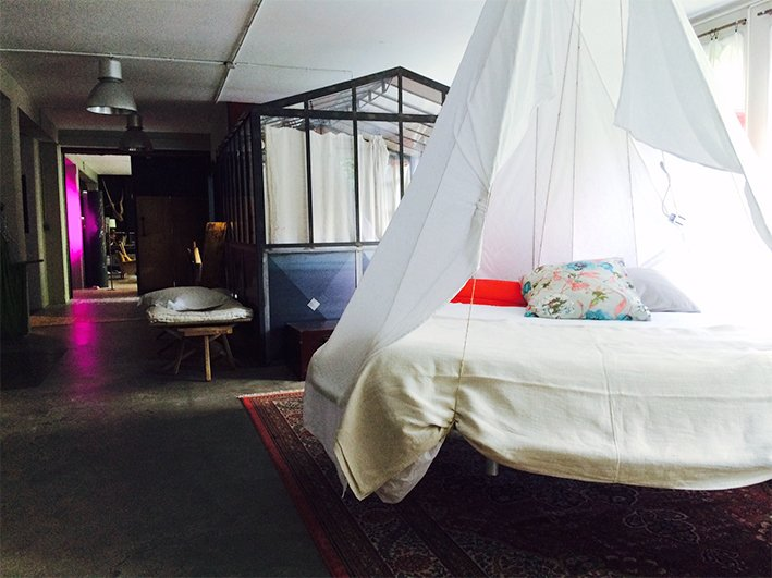"""Bedroom 3 - 1 double canopy bed (160), 1 green: 2 single beds (90), 1 bed """"trampoline"""" (160)"""