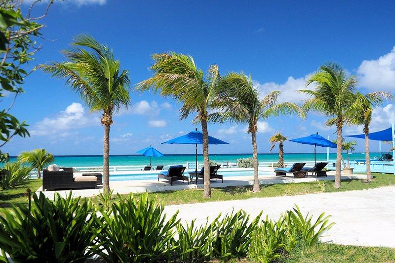 Beach front villa with panoramic ocean view, Ferienwohnung in Grand Turk