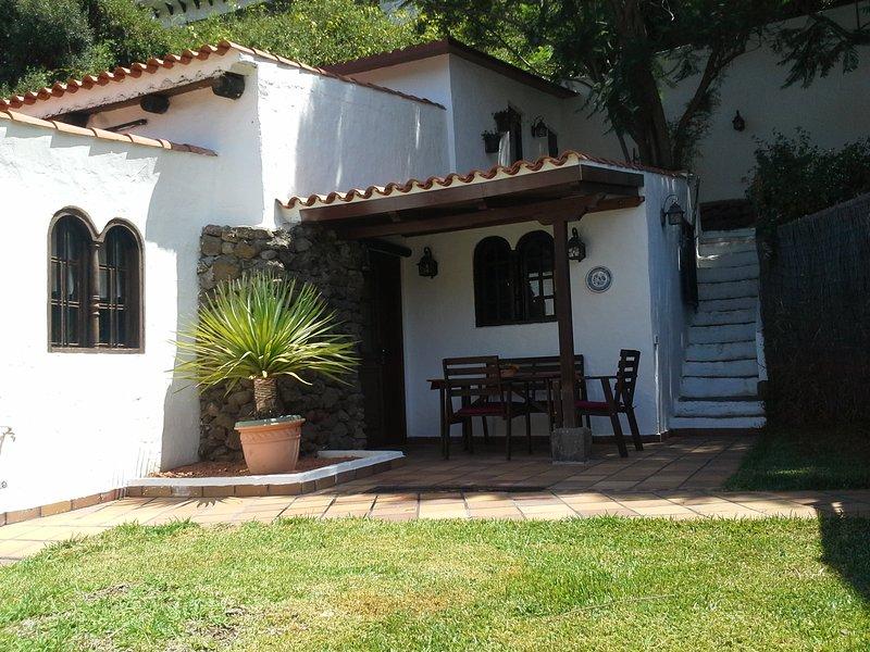 LA TABAIBA-Encantadora y acogedora casa de campo, holiday rental in Pino Santo Alto