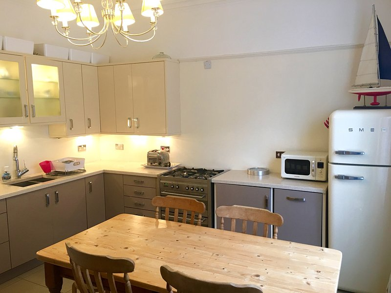 Alverstoke Village - Spacious Village Home, vacation rental in Gosport