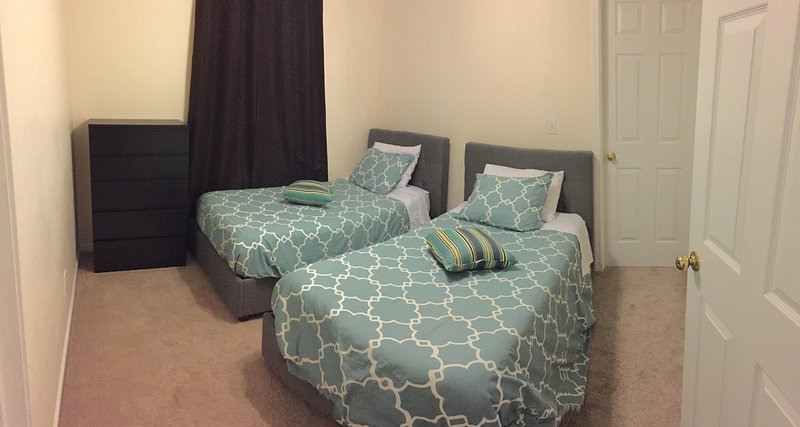 2 Twin beds in bedroom number 3