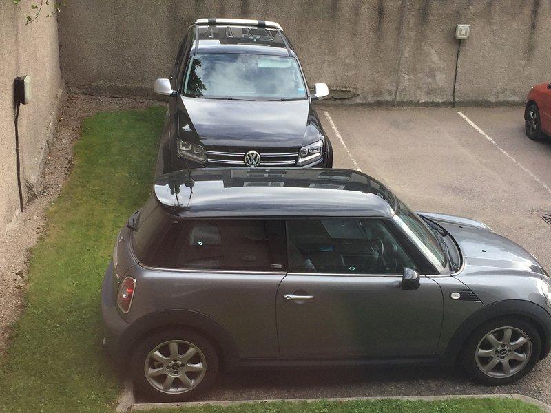 privado gratuito Parking (espacio asignado al apartamento se deja mano hacia atrás esquina más otro frente)