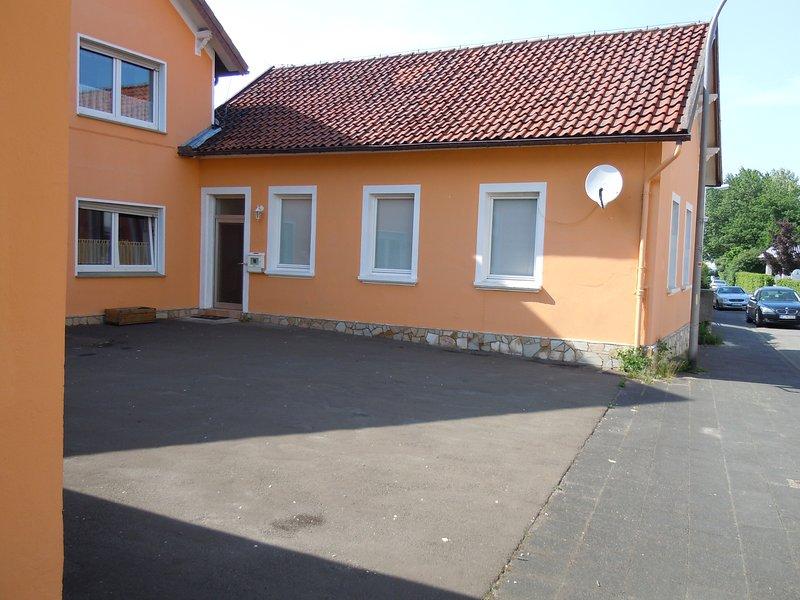 Appartment/kl. Haus mit eigenem Eingang, nah zur Messe und zum Zentrum, alquiler vacacional en Detmold