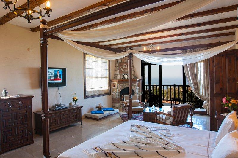 Luxury Villa blended in nature, holiday rental in Uzunyurt