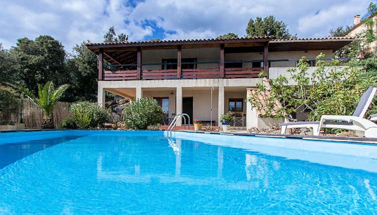 Villa Bellevue, Rural villa South of France with private pool sleeps 8-10, Ferienwohnung in Laurens