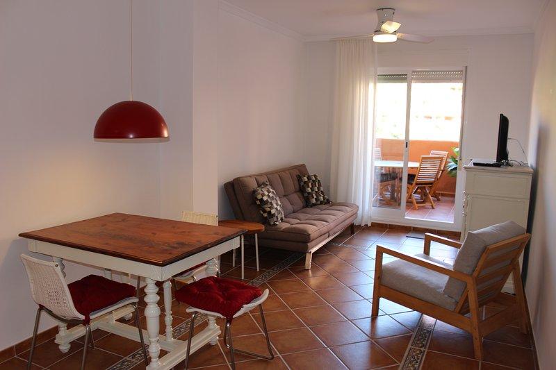 Apartamento de 1 dormitorio con terraza amplia, holiday rental in Adra