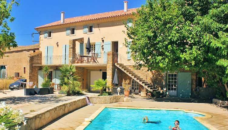 Domaine des Pradines  - Holiday home in France with private pool sleeps 12-13, vacation rental in Thezan-des-Corbieres